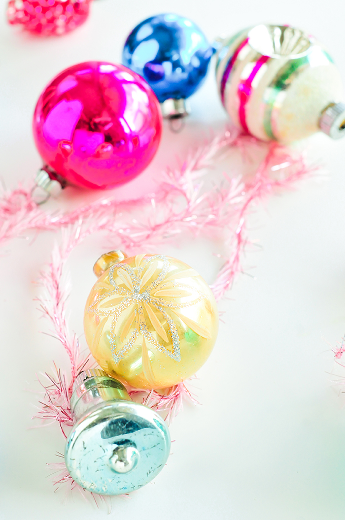 Free Vintage Ornament Wallpaper Download by @theproperblog