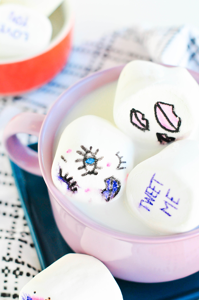 DIY edible cartoon marshmallows - @theproperblog