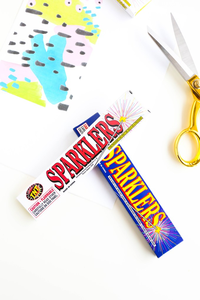 Printable Firework Labels || www.theproperblog.com