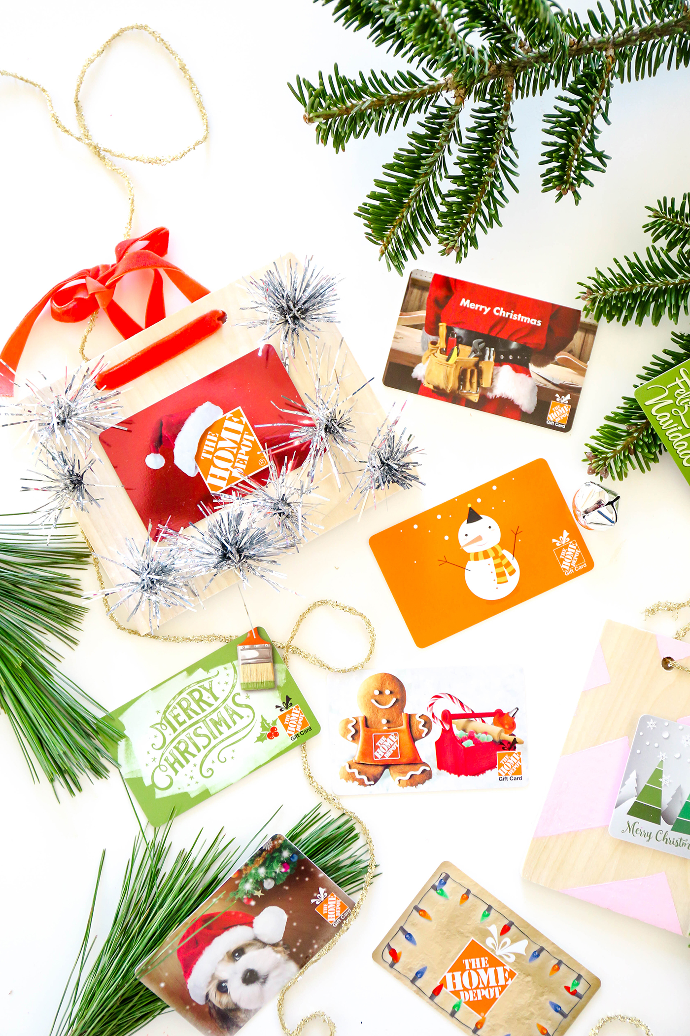 MissionMerry DIY Gift Card Holders To Hang From The Tree