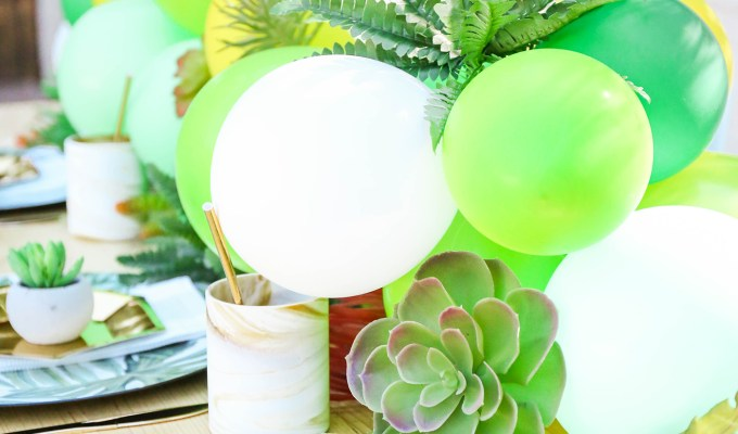 #MakeIt \\ DIY Desert-Themed Balloon Table Runner with Faux Greenery