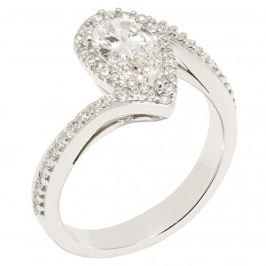 Stunning 1.00ct pear shape twist cluster ring in platinum