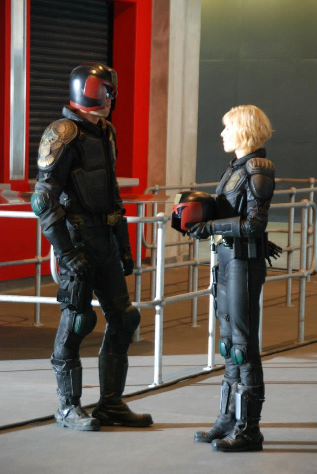 JUDGE DREDD 2012 behind the scenes costumes paint some new light on the costumes in daylight
