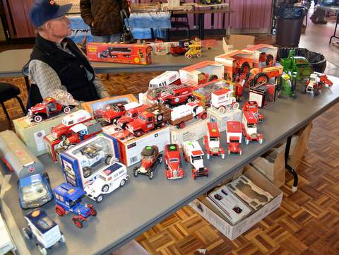 toy-show-at-elks-2017-1