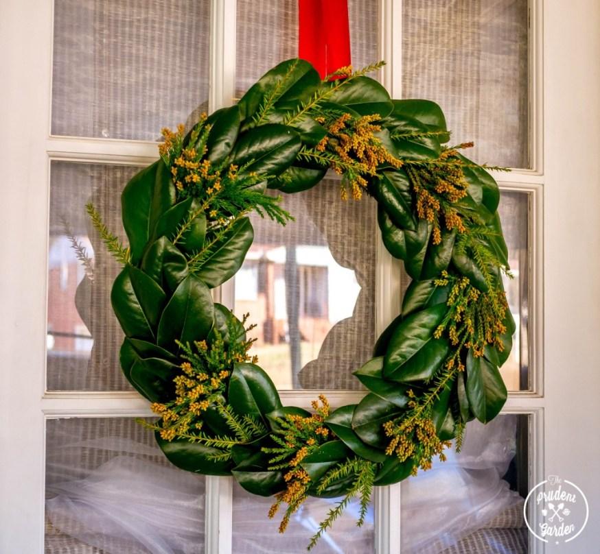 Make Your Own Magnolia Wreath