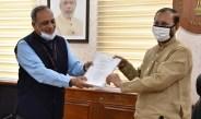 बॉलीवुड से सम्बन्धित सभी सरकारी संस्थानों का एक में होगा विलय, विशेषज्ञ समिति ने कैबिनेट मंत्री जावरेकड़ को सौंपी रिपोर्ट