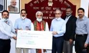 फोर्टिस हेल्थकेयर ने स्वास्थ्य एवं परिवार कल्याण राज्य मंत्री अश्विनी कुमार चौबे की उपस्थिति में 2.5 करोड़ रुपये का चेक आईसीएमआर को सौंपा