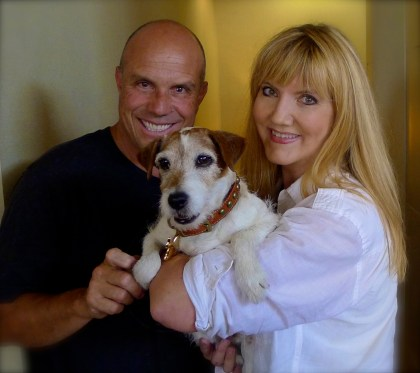 Master dog trainer Omar von Muller poses with superstar and four-legged son Uggie and this author who was overwhelmed by the entire experience