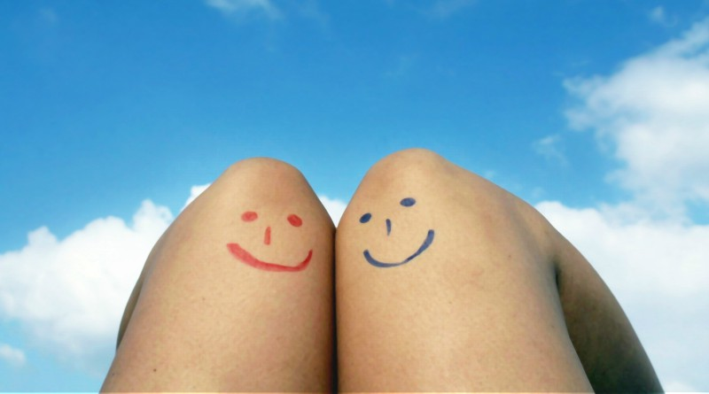 knee, leg, smiley face