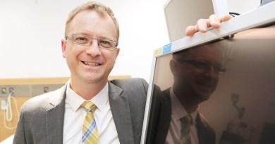 Dr David Van Der Poorten