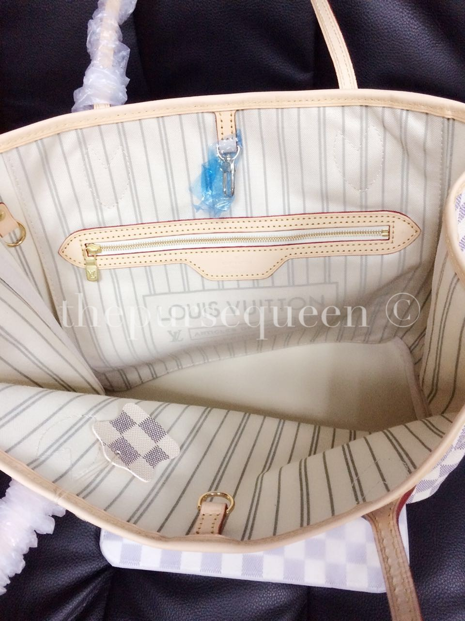 b77d55bbdd82 Louis Vuitton Neverfull Replica - Damier Azur - Authentic   Replica ...