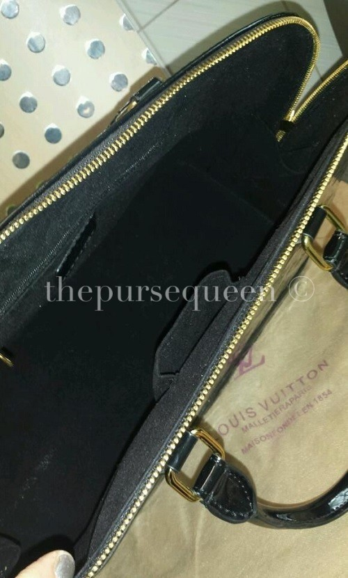 Relplica Louis Vuitton Alma Vernis Inside View