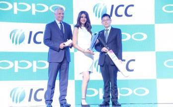 Mr. David Richardson, CEO, ICC, Ms Aditi Arya, Miss India 2015 and Sky Li, OPPO Global VP, MD of International Mobile Business and President of OPPO India celebrating Global Partnership