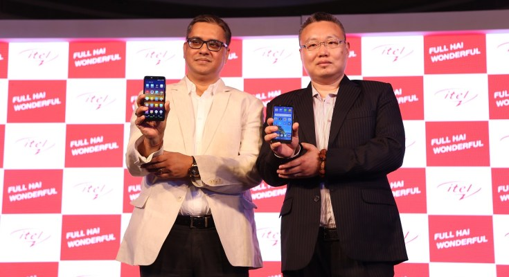 (From L-R) Mr. Marco Ma, MD, Transsion India & Mr. Arijeet Talapatra, SVP - National Head, Sales, Distribution and Retail, Transsion India at itel mobile India launch