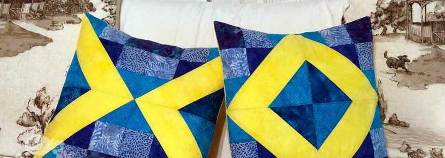 Summer Lovin X and O pillows