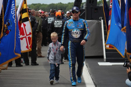Kevin Harvick walks during driver introductions for the 2018 Pocono 400. (Tyler Head | The Racing Experts)