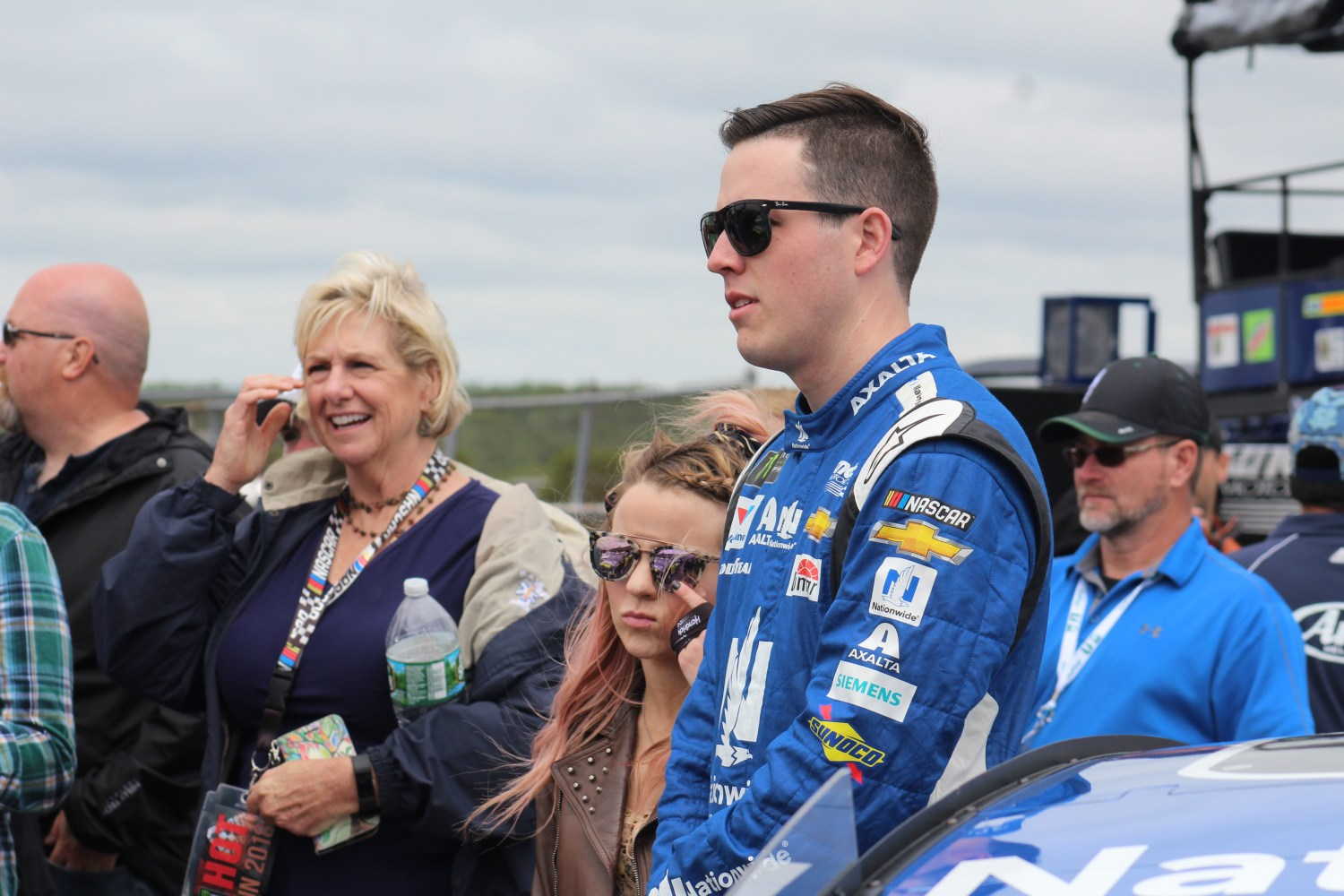 Alex Bowman on pit road ahead of the 2018 Pocono 400. (Tyler Head | The Racing Experts)