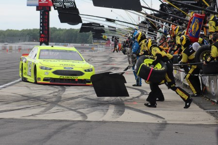 Ryan Blaney pits during the 2018 Pocono 400. (Tyler Head | The Racing Experts)
