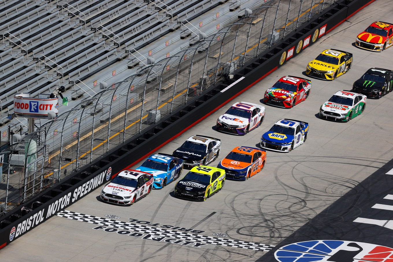 NASCAR Cup Series Food City presents the Supermarket Heroes 500