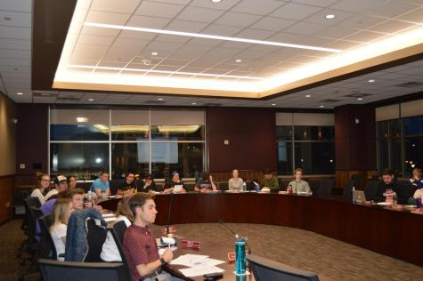 Student Senate amends eagle dome resolution