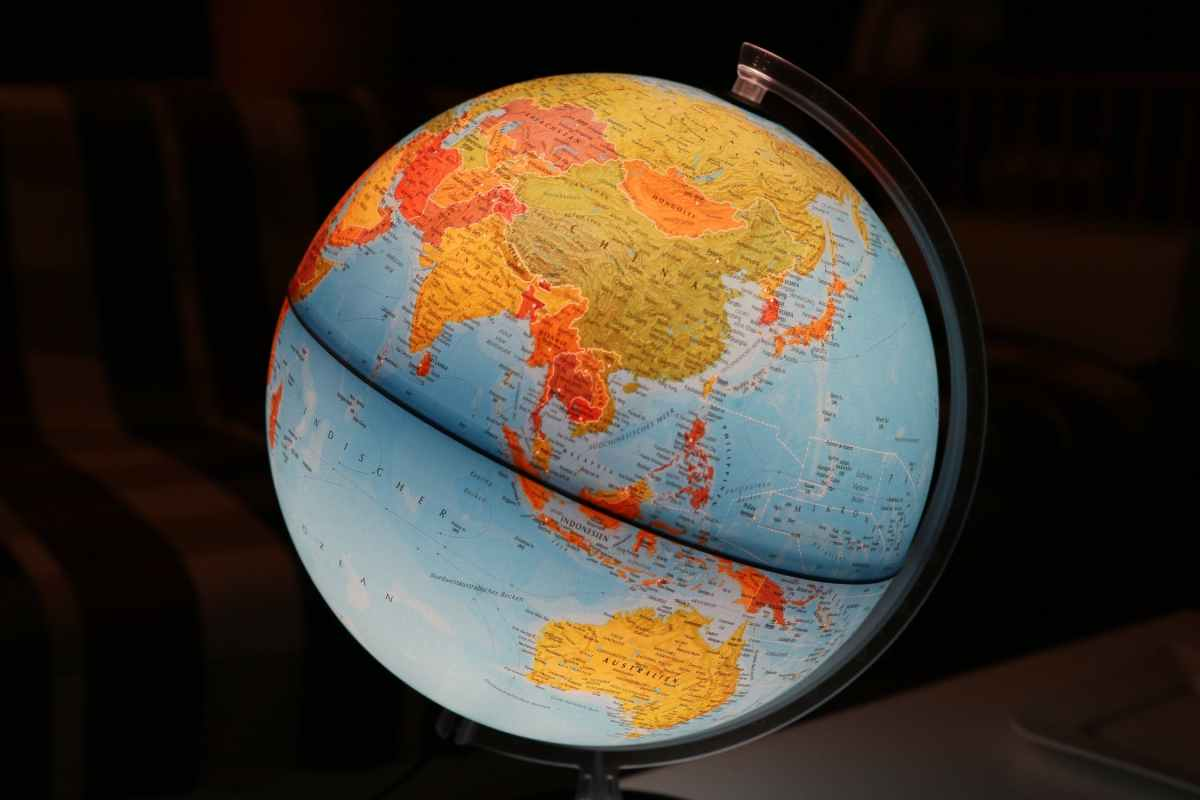 A World of Englishes?: The Effects of the Global Spreading of a Language