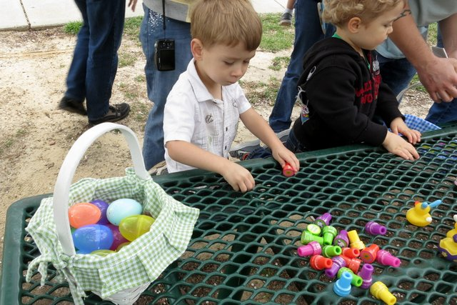 I collected a lot of eggs and then traded them for some stamps, footballs, bubbles, and beach balls that look like chicks!