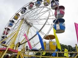 That's a big Ferris Wheel!