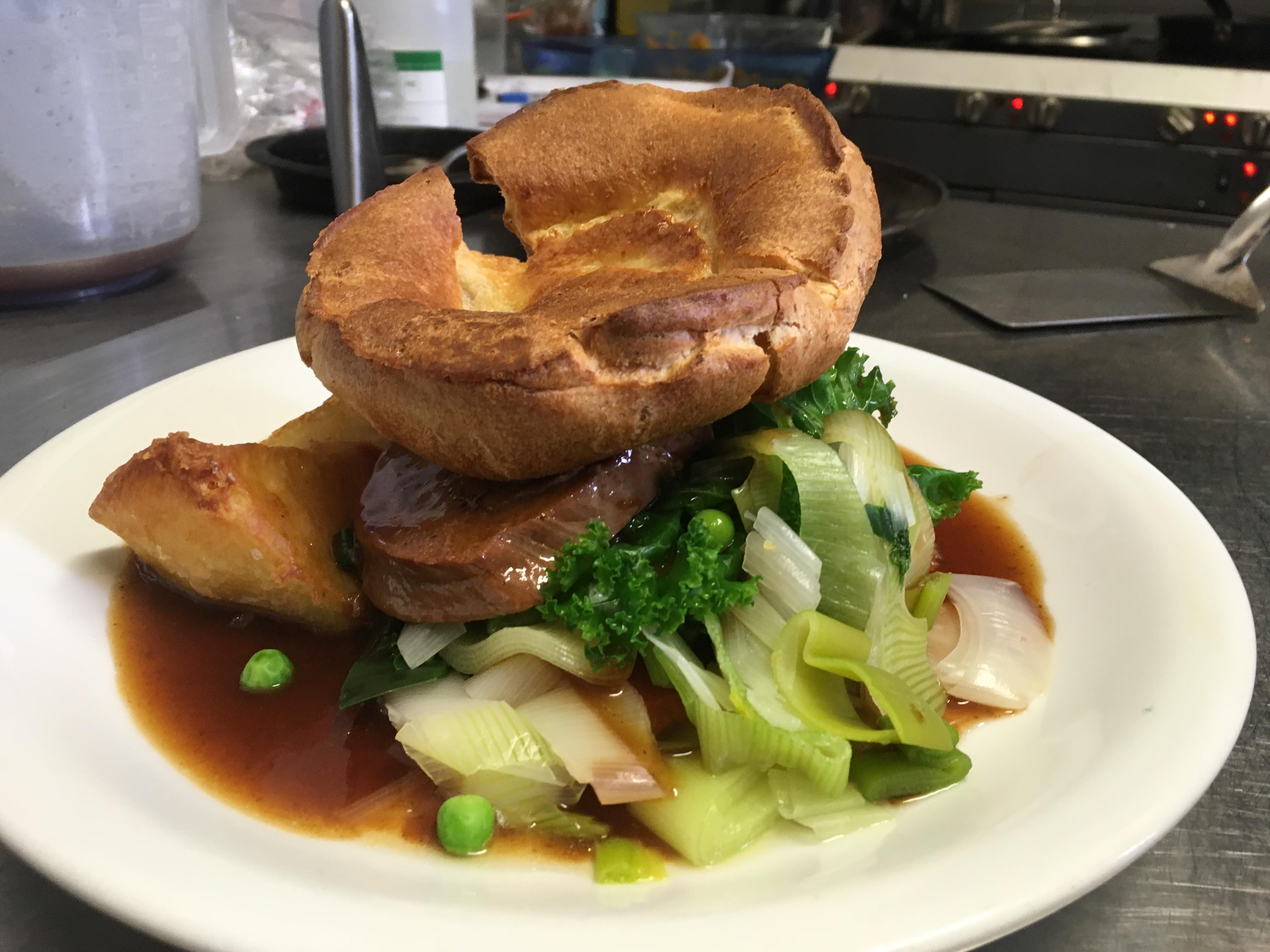 Ringwood Railway New Forest Pub Sunday Roast Lunch Near Christchurch Dorset