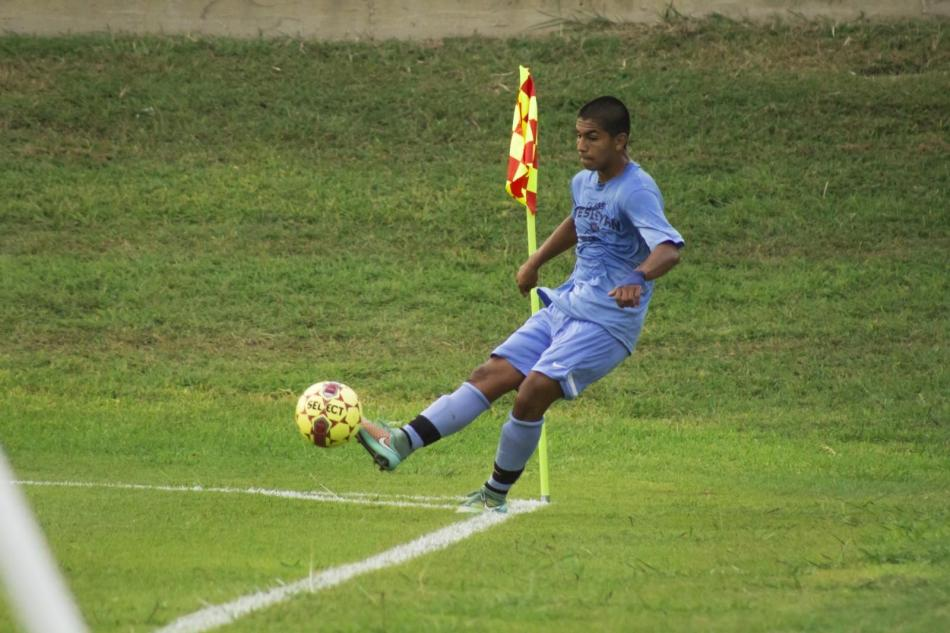 Eder Falcon takes a corner kick during Texas Wesleyan's second preseason game.
