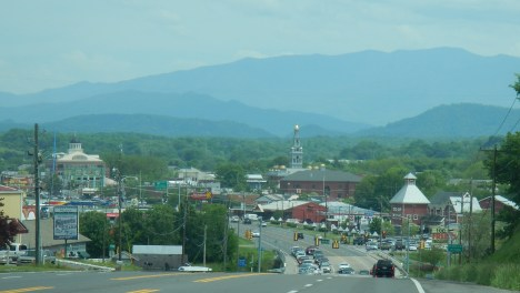 015-Entering Pigeon Forge