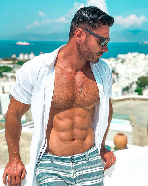 • InstaHunk Rodiney Santiago can't stop gushing about his awesome vacay in Mykonos. Funny, I can't stop gushing about Rodiney... :)