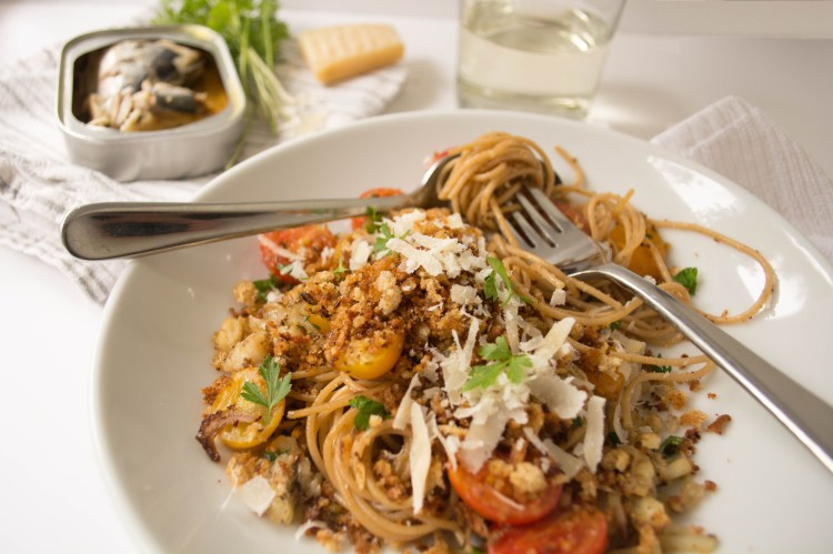 Pasta with Sardines, Breadcrumbs and Tomatoes