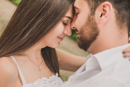 loving couple representing improved connection and communication due to EFT workshop online.
