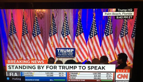 CNN (3/15/16) shows Trump's empty podium. (screen grab: Laila Al-Arian)
