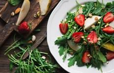 Eat Raw Food - Strawberry Salad
