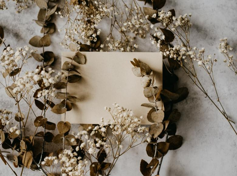Wedding stationary with dried flowers
