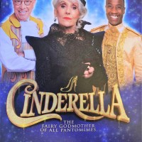 Review – Cinderella, Royal and Derngate, Northampton, 14th December 2019