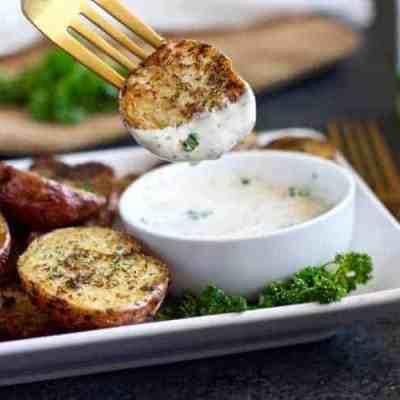 Crispy Garlic Ranch Roasted Potatoes (Whole30)