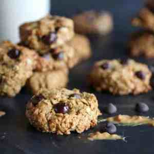 Healthy Peanut Butter Chocolate Chip Oatmeal Cookies