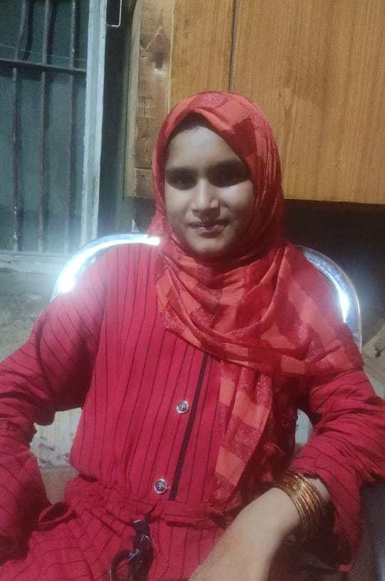 Sopore Police seeks help of general public to identify a girl.