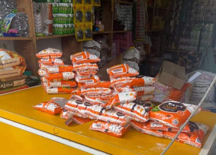 Police along with experts recovered at least 235 packets of duplicate Tata Salt at Harni Bazar in Poonch