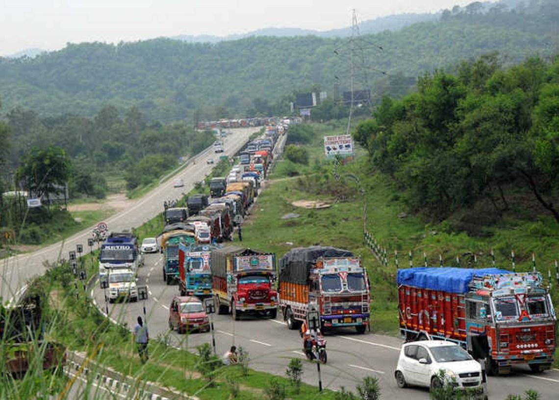 Traffic resumes on Jammu-Srinagar national highway