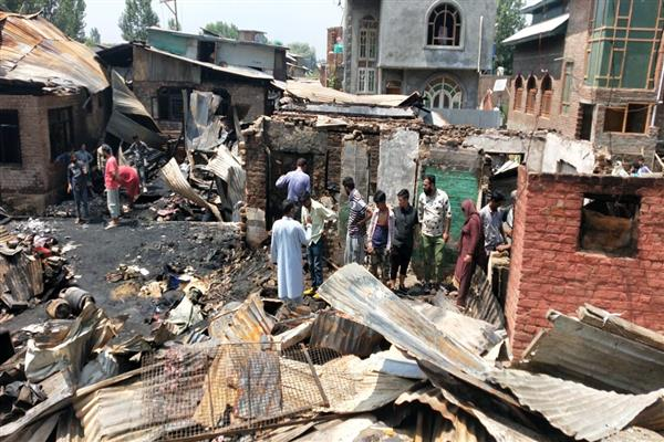 Five residential houses and two sheds were damaged in Overnight Blaze that erupted in Noorbagh Srinagar