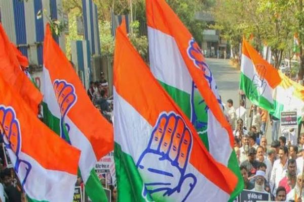 2 former bureaucrats join Congress in Jammu