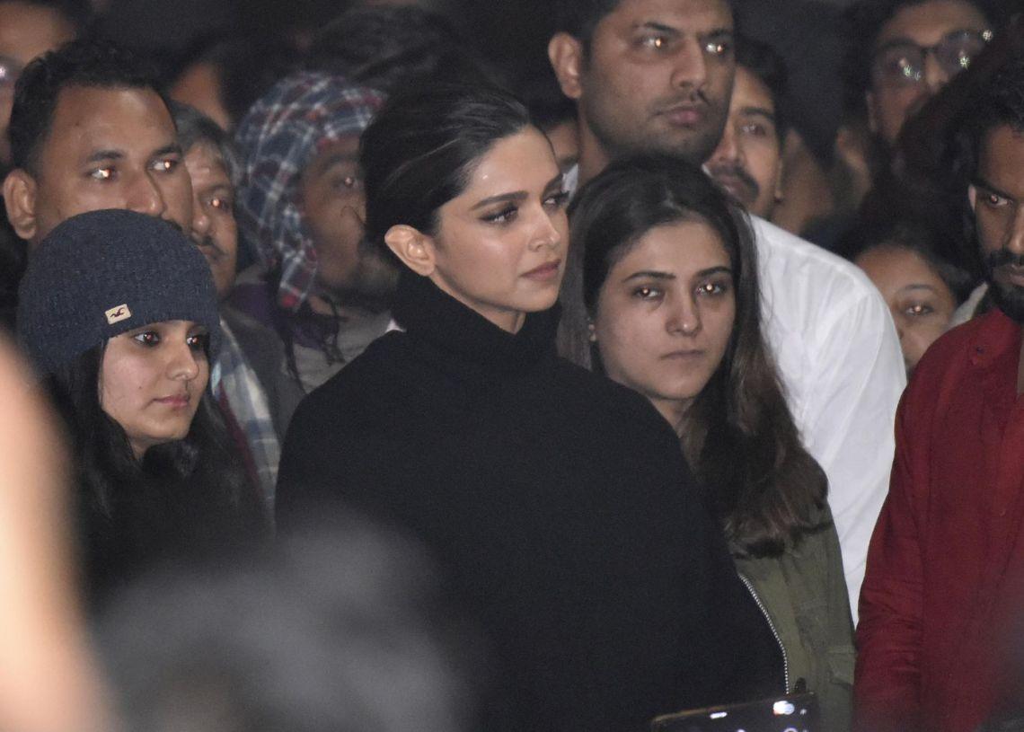 Deepika Padukone exposed; took Rs 5 crore to participate in anti-CAA protest at JNU