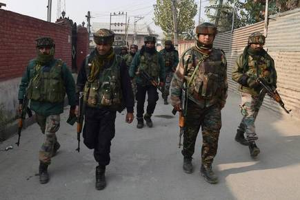 Updated : 01 militant killed, 01 AK-47 and a pistol recovered, searches on in Bugdam Encounter