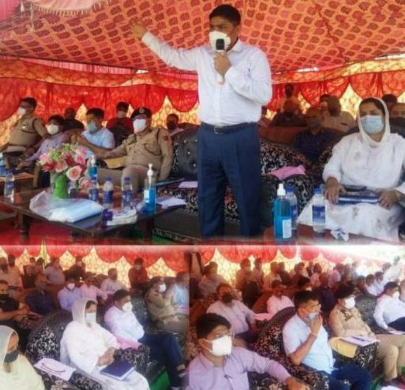 DC Poonch listens people's issues in border block Balakote, Announces Ambulance for local PHC