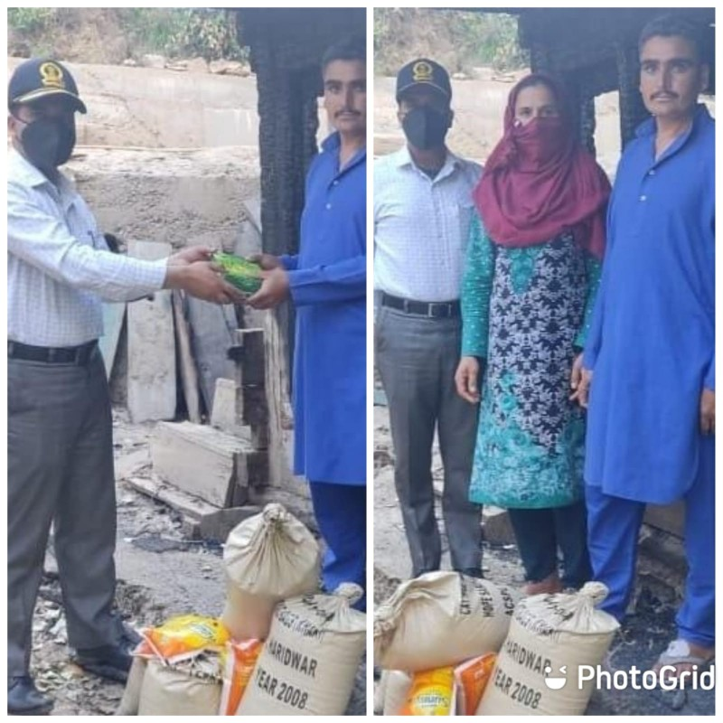 Kupwara Terriers Provides Ration to Family Halmatpora who lost all due to fire