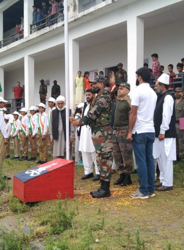 Mendhar Gunners Celebrate 75th Independence Day with Children of Government High School Darana School