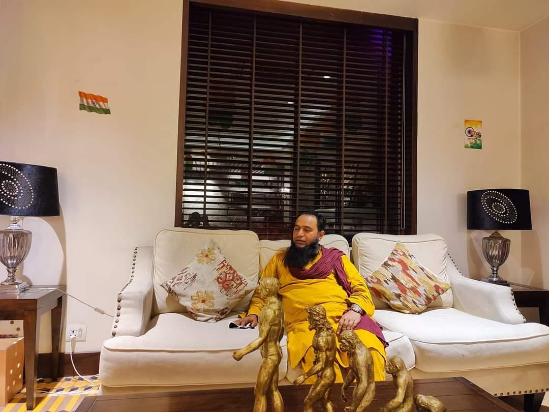 Javid Qurashi extends warm greetings to people on Janmashtami